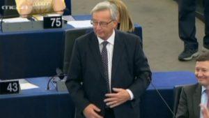 """Προειδοποιήσεις Γιούνκερ για """"αναταράξεις"""" στην Ευρωζώνη εξαιτίας της Ιταλίας και της Γερμανίας"""