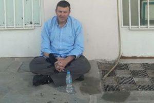 """Σε απεργία πείνας ο Απόστολος Γκλέτσος: """"Θα συνεχίσω μέχρι να με πάρουν σηκωτό!"""" [vid]"""