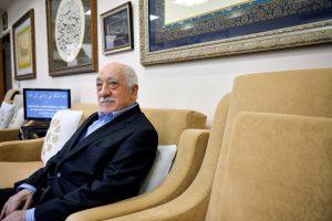 """""""Ξεσπαθώνει"""" κατά Ερντογάν και Δικαιοσύνης ο Γκιουλέν μετά το ένταλμα σύλληψής του"""