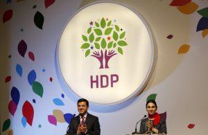 """""""Τέλος"""" το HDP από το τουρκικό κοινοβούλιο μετά τις συλλήψεις!"""