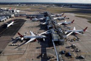 """Συναγερμός στο Χίθροου! Σταμάτησαν οι πτήσεις λόγω """"ύποπτου πακέτου"""""""