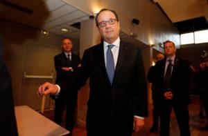 Γαλλία – Εκλογές 2017: Ψήφισε ο Ολάντ [pics]