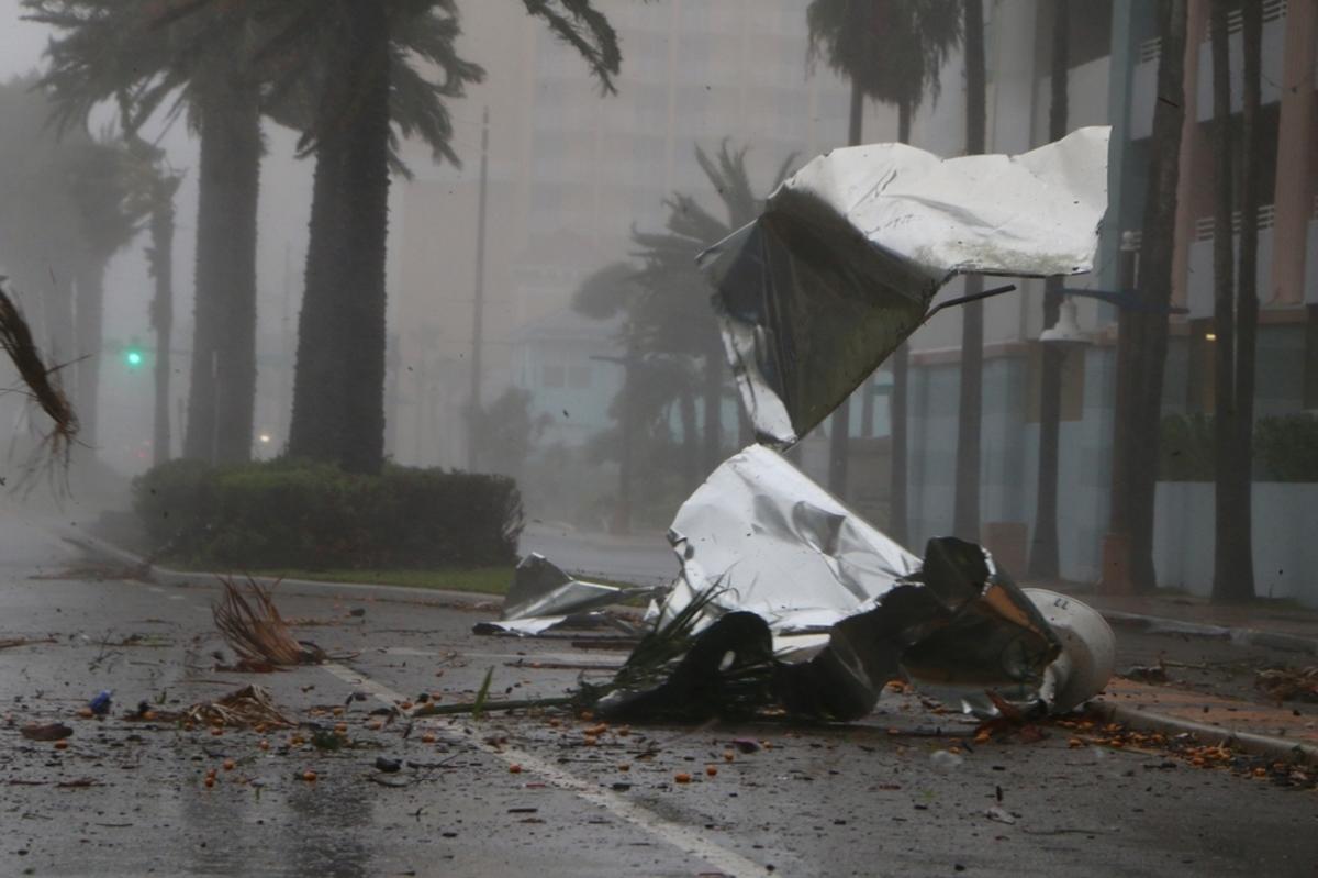 Τυφώνας Μάθιου: Εκατομμύρια άνθρωποι στο έλεός του! «Κρυφτείτε, αλλιώς θα πεθάνετε» η απίστευτη δήλωση δημάρχου!