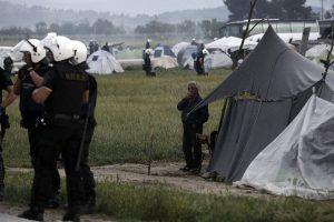 Ειδομένη: Η δημοσιογράφος που μεταμφιέστηκε και ο ανταποκριτής της Bild που προσήχθη