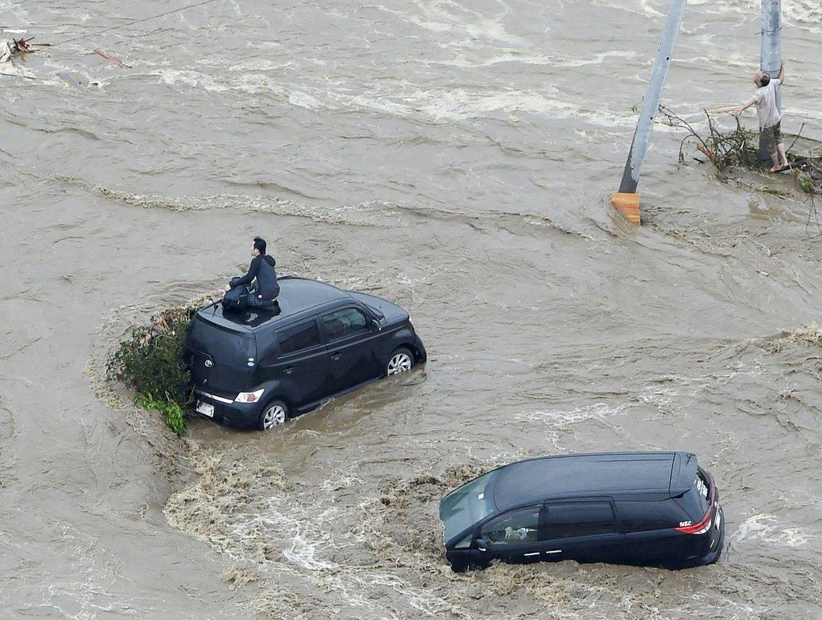 Κατακλυσμός στην Ιαπωνία! Χείμαρροι παρασέρνουν σπίτια – Συγκλονιστικές εικόνες