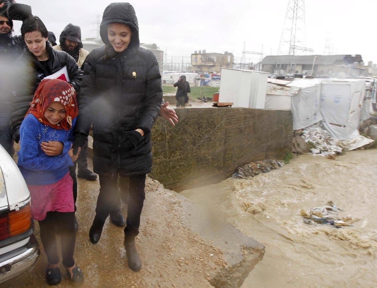 Μια ανάσα από την Ελλάδα η Angelina Jolie – ΦΩΤΟ