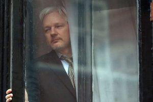 Στο στόχαστρο του Julian Assange και η Google!
