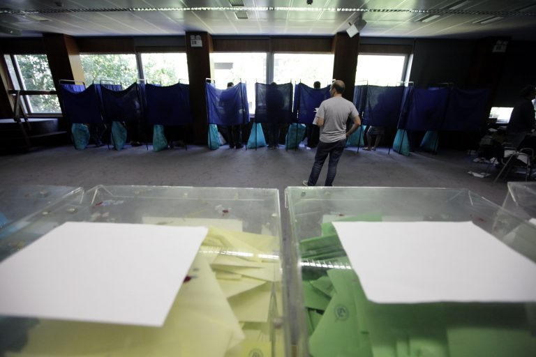Αλλάζουν όσα ξέραμε για τις εκλογές σε δήμους και περιφέρειες – Πώς θα ψηφίζουμε πλέον