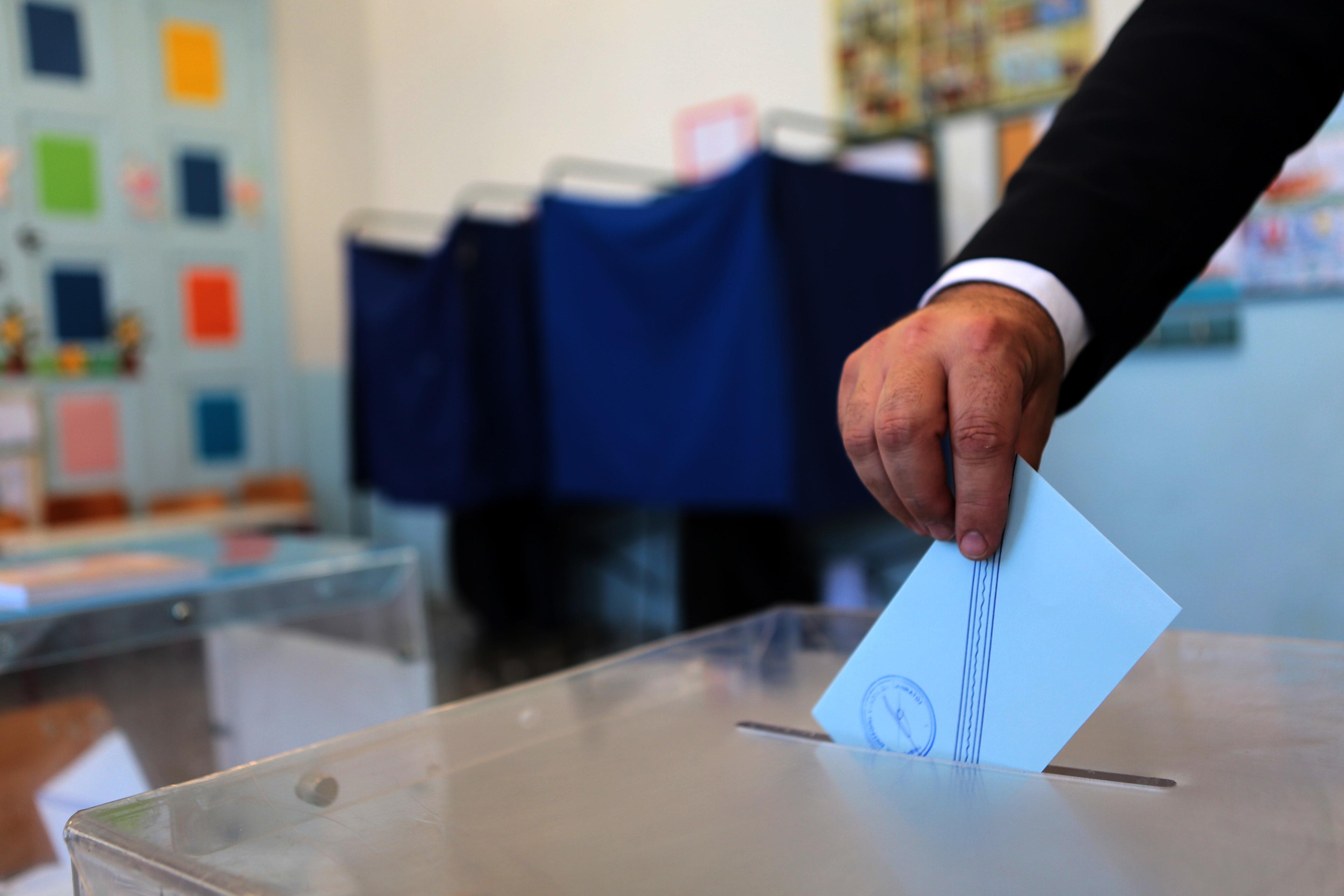 Ευρωεκλογές 2014: Πρώτος ο ΣΥΡΙΖΑ, σύμφωνα με νέα δημοσκόπηση