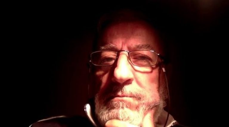 Πέθανε ο δημοσιογράφος Γιώργος Καραλής