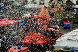 """""""Πάρτι"""" έκανε το παρεμπόριο στην Πάτρα το τελευταίο τετραήμερο!"""