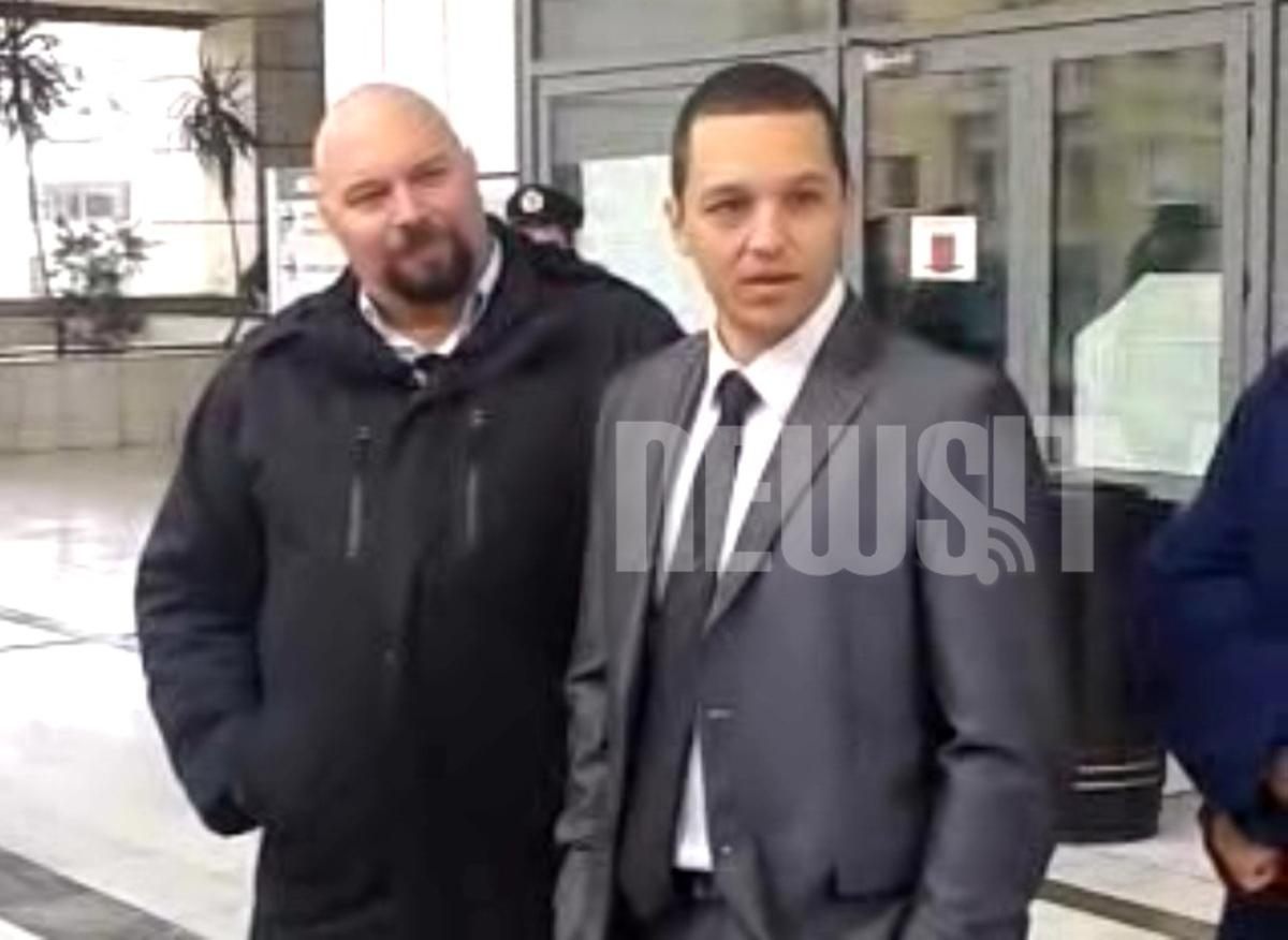 Οι δημοσιογράφοι άφησαν… «παγωτό» τον Ηλία Κασιδιάρη! Κατέβασαν τα μικρόφωνα κι έφυγαν (VIDEO)