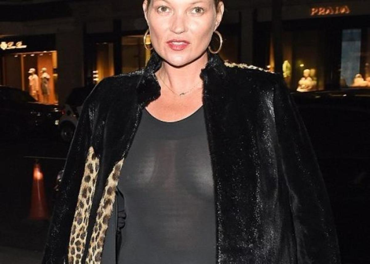 H 43χρονη Kate Moss, μας τα… έδειξε όλα! Χωρίς σουτιέν και με διάφανη φόρμα! [pics]