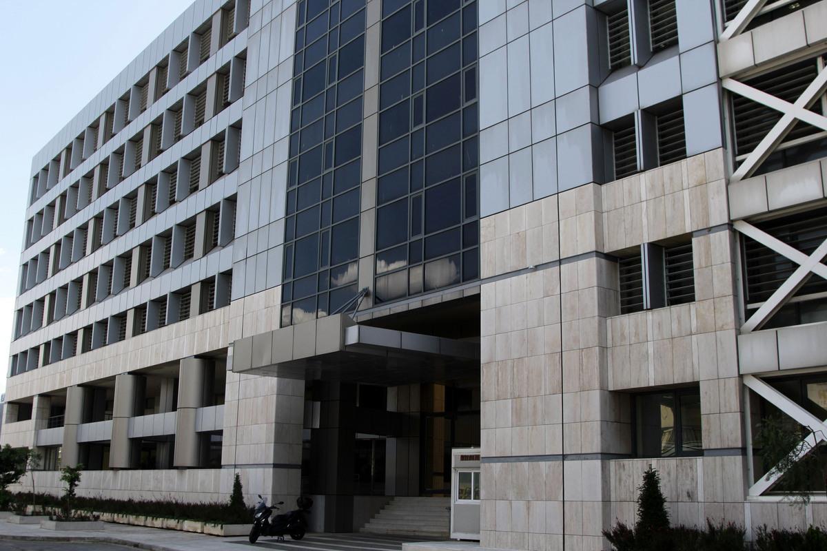 Ποιες υπηρεσίες του υπουργείου Οικονομικών μετακομίζουν στο ανακαινισμένο κτίριο του «Κεράνη»