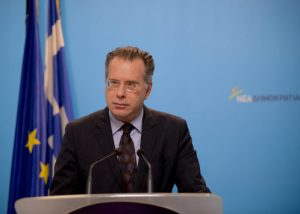 """Κουμουτσάκος: """"Λευκωσία και Αθήνα οι θεματοφύλακες για το Κυπριακό"""""""