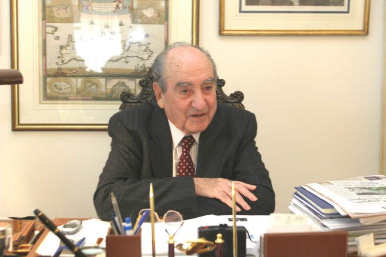 Κωνσταντίνος Μητσοτάκης: Κηδεία δημοσία δαπάνη και με τιμές εν ενεργεία Πρωθυπουργού