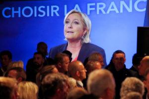"""""""Αδειάζουν"""" τη Λε Πεν και οι συνεργάτες της: Σταμάτα τη συζήτηση για Frexit!"""