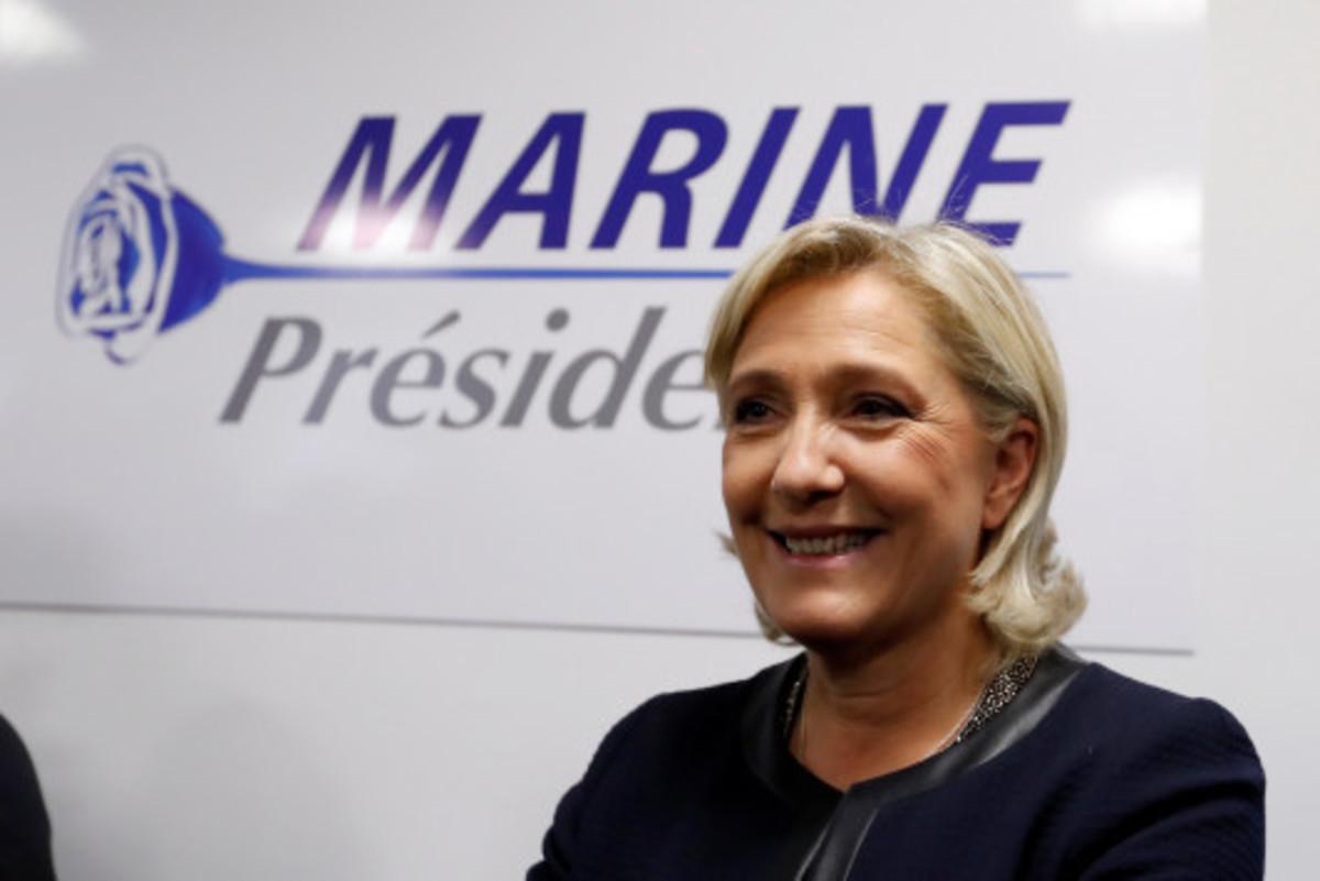 """Δημοσκόπηση """"φωτιά"""" για τις γαλλικές εκλογές – Η Λεπέν κερδίζει έδαφος"""