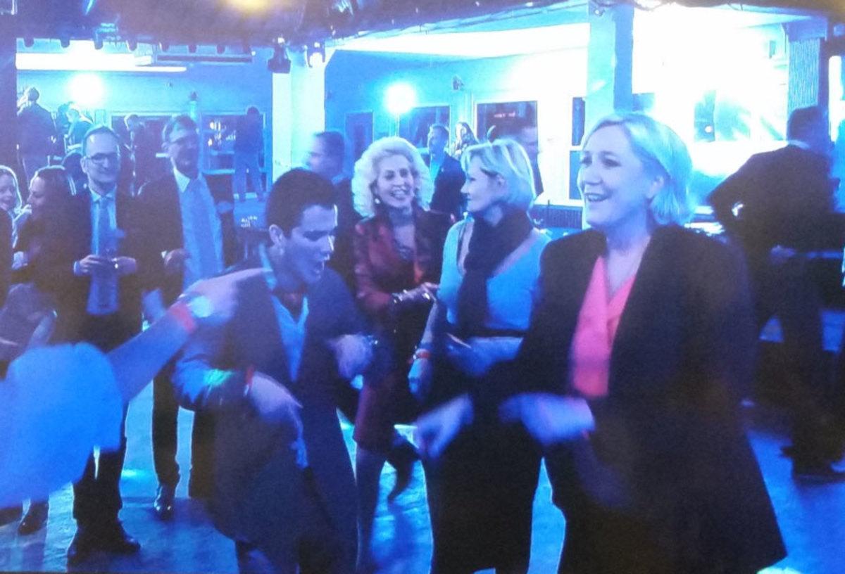 "Alors on danse! Χορευταρού η Λε Πεν, το… ""έκαψε"" μετά την ήττα [vids]"