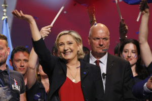 """Γαλλικές εκλογές: """"Θα αγοράζετε την μπαγκέτα σας με φράγκα"""" λέει ο αντιπρόεδρος της Λε Πεν!"""