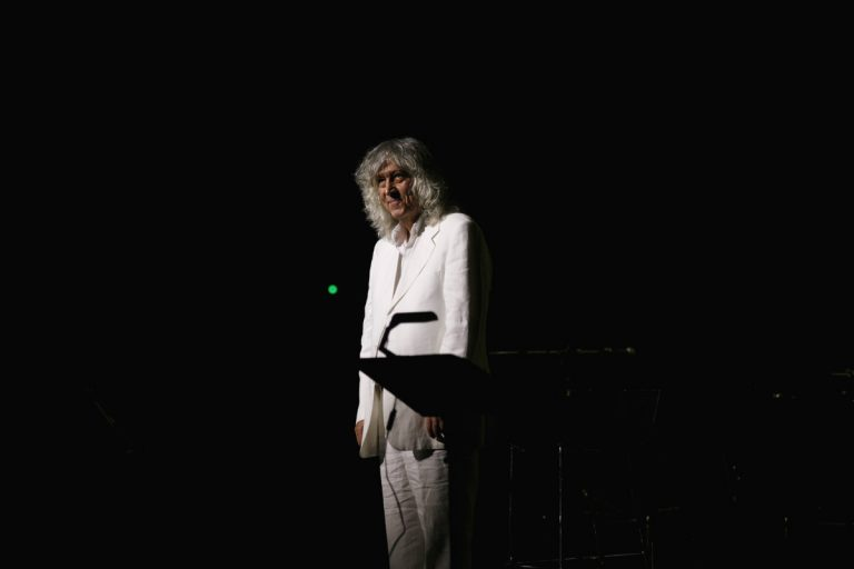 Λουκιανός Κηλαηδόνης: Φεύγουν τα καλύτερά μας χρόνια – Αντίο σε έναν μεγάλο τραγουδοποιό