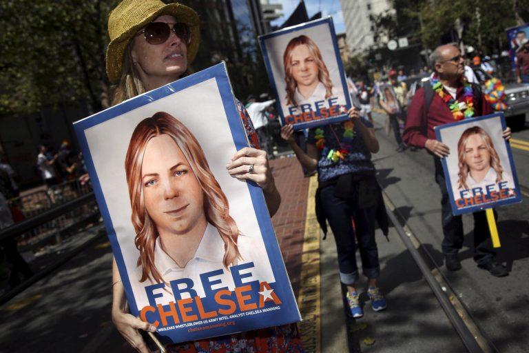 Chelsea Manning: Ο Ομπάμα υπερασπίστικε την απόφασή για πρόωρη αποφυλάκιση