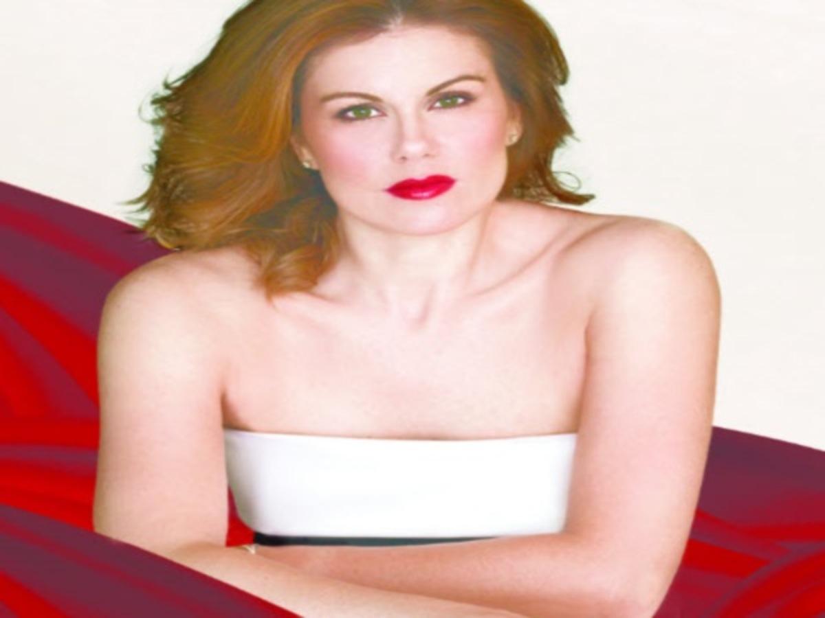 """Η Ευγενία Μανωλίδου στο Newsit: """"Το """"Musical"""", το """"Just"""" και ο Άδωνις""""!"""