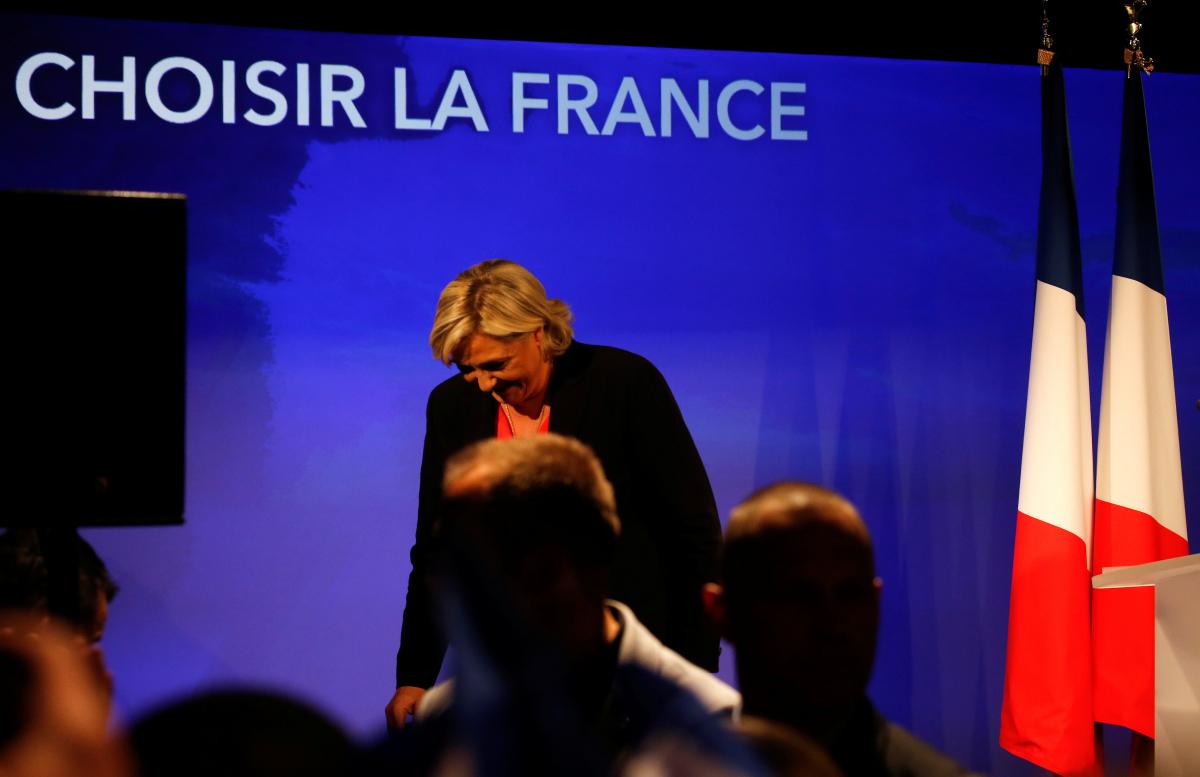 Γαλλία εκλογές: Φαρμακωμένη η Λε Πεν – Πιεζόταν να χαμογελάσει
