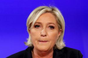 """Γαλλία – Βγήκαν μαχαίρια στην οικογένεια Λε Πεν! """"Την έφαγε το Frexit""""!"""