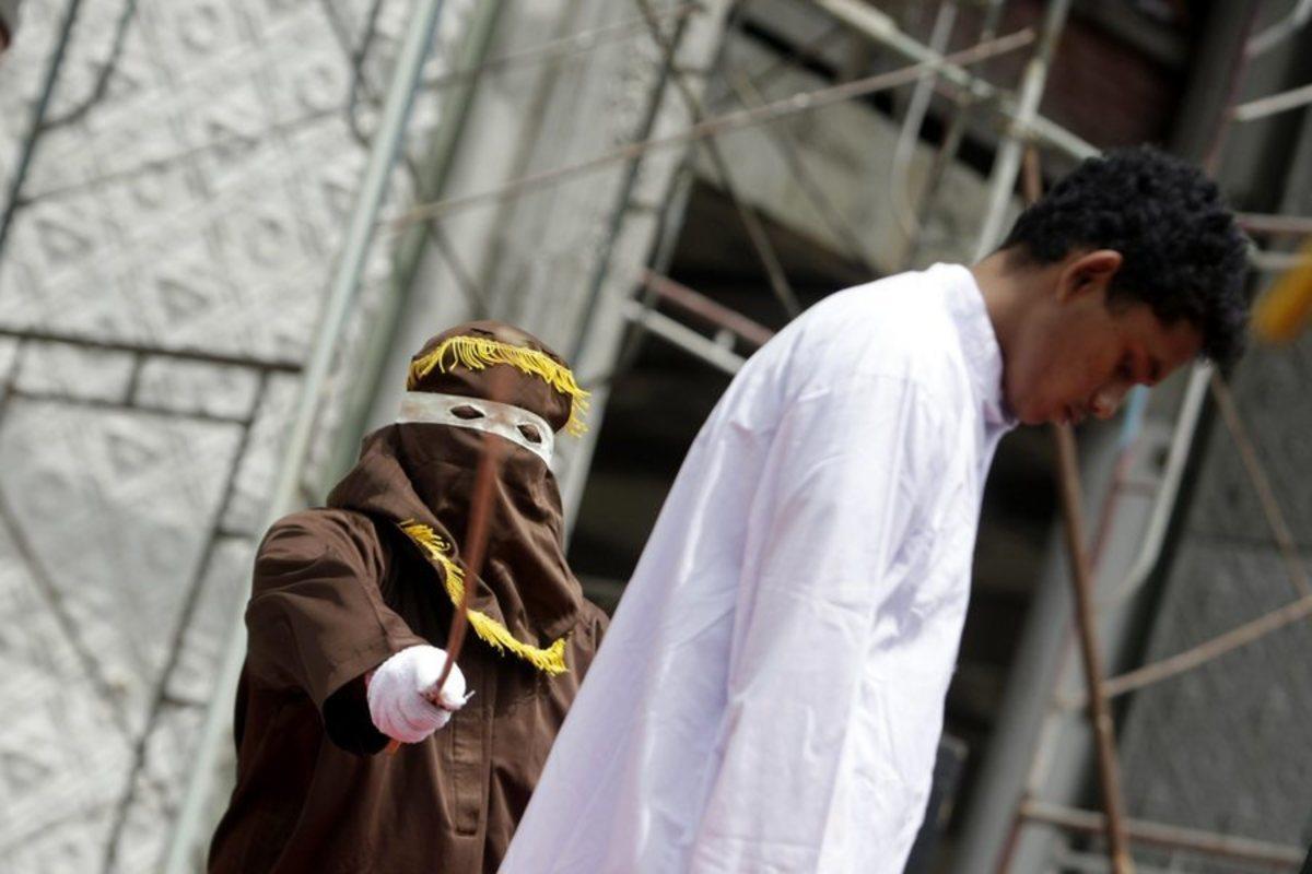 Μαστίγωσαν Σαουδάραβα πρίγκιπα – Άγνωστο το έγκλημά του