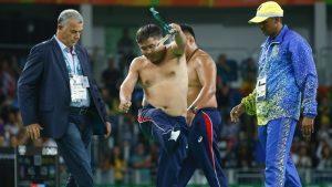 Ολυμπιακοί Αγώνες: Έχασαν το μετάλλιο κι άρχισαν το …στριπτίζ! [vid]