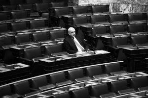 """""""Έξωση"""" στον Β. Μεϊμαράκη από τη Βουλή και πολλές μετακομίσεις"""