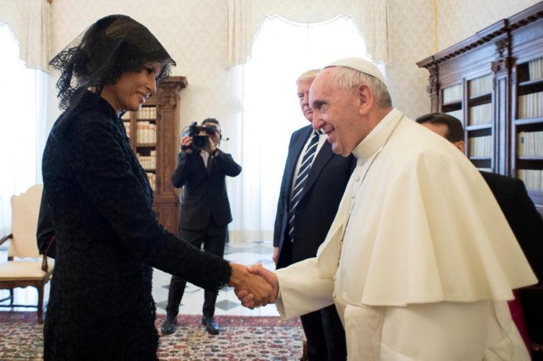 Μελάνια Τραμπ: Υποσχέσεις και αποκαλύψεις μετά τη συνάντηση με τον Πάπα