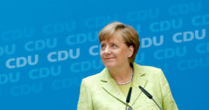 Η Γερμανία περιμένει… μεταρρυθμίσεις από τον Μακρόν – Μέρκελ: Μας ενώνει κοινή μοίρα