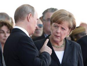 """""""Πετάει"""" για Μόσχα η Μέρκελ"""
