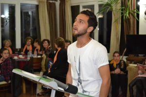 Ο νεαρός πρόσφυγας που συγκίνησε στη γιορτή ποίησης της Λέσβου [pic]