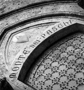 Καταποντίζεται η μετοχή της τράπεζας Monte dei Paschi