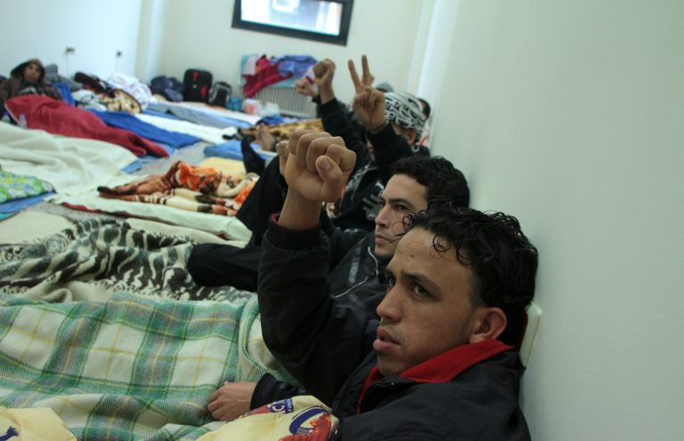 Όλα όσα προβλέπονται για την νόμιμη διαμονή μεταναστών στην Ελλάδα