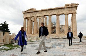 Ο Ομπάμα και το τρακτέρ στην Ακρόπολη!