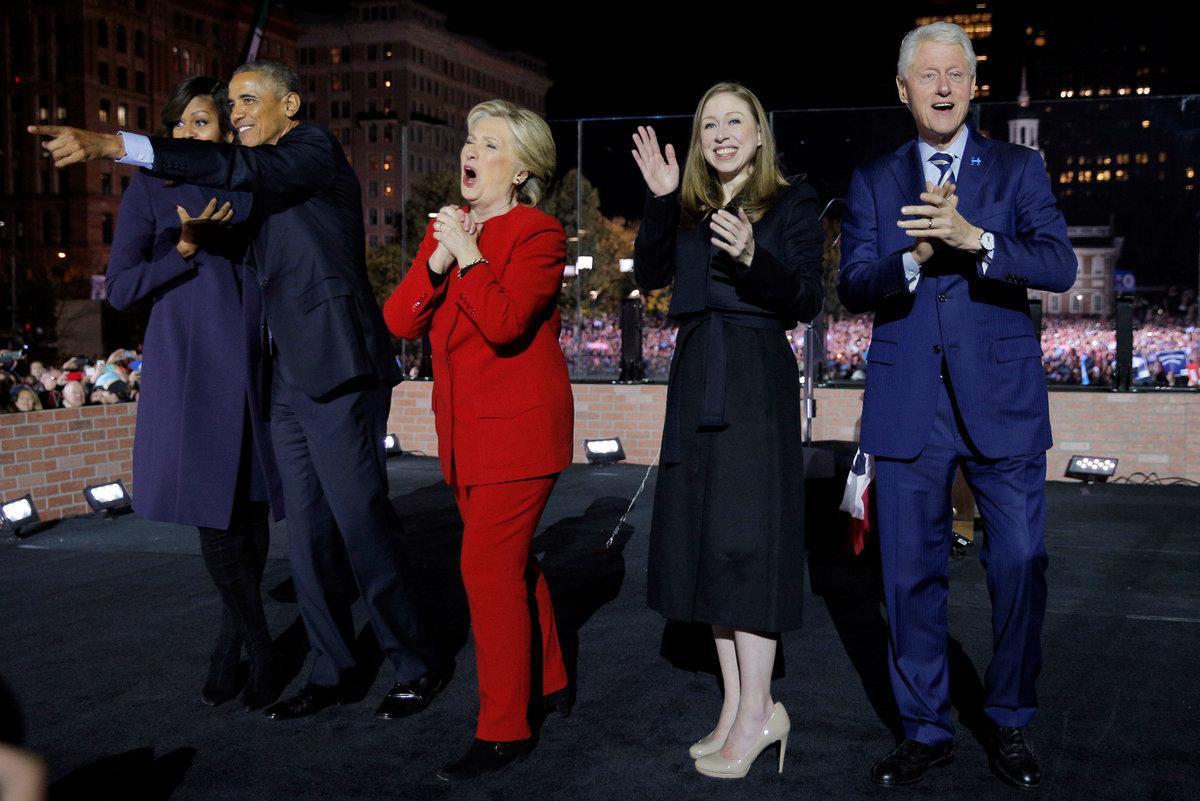 Χίλαρι Κλίντον: Ομπάμα και… stars μαζί της στη σκηνή [pics, vids]
