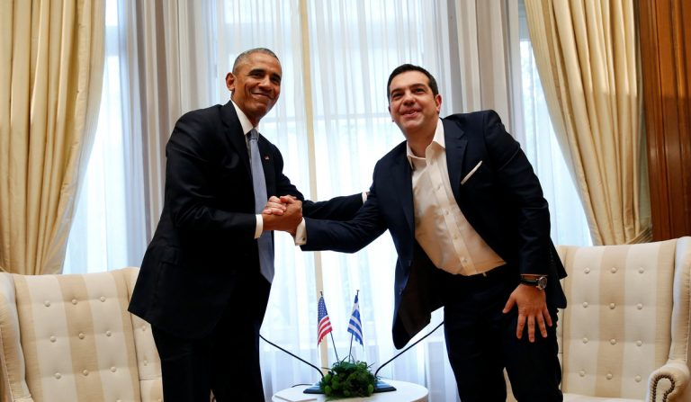 Ομπάμα: Το καλωσόρισμα Τσίπρα και η… ιδιαίτερη χειραψία! [pics]