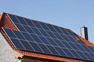 """Ο αντιπρόεδρος της ΡΑΕ, Δ. Ραχιώτης στο newsit:""""Ελεύθερα τα οικιακά φωτοβολταϊκά στην Πελλοπόνησο"""""""