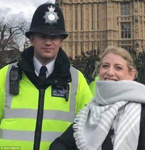 Λονδίνο: 45 λεπτά πριν την τραγωδία – Η τελευταία φωτογραφία του ήρωα αστυνομικού