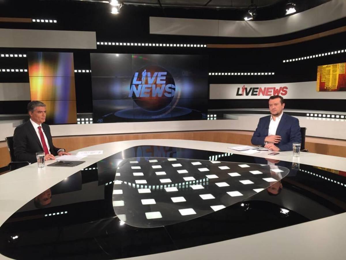 """Ο Ν. Παππάς στο Live News: Η κυβέρνηση επιμένει στις 4 τηλεοπτικές άδειες – """"Σεβόμαστε την απόφαση του ΣτΕ είτε μας αρέσει είτε όχι"""""""