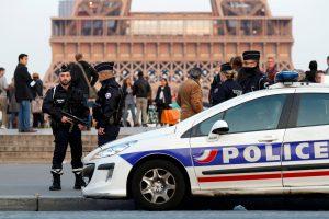 Η Γαλλία στη δίνη του τρόμου ώρες πριν τις εκλογές – Νέο ντοκουμέντο από το μακελειό στη Champs Elysees – Πανικός και επεισόδια