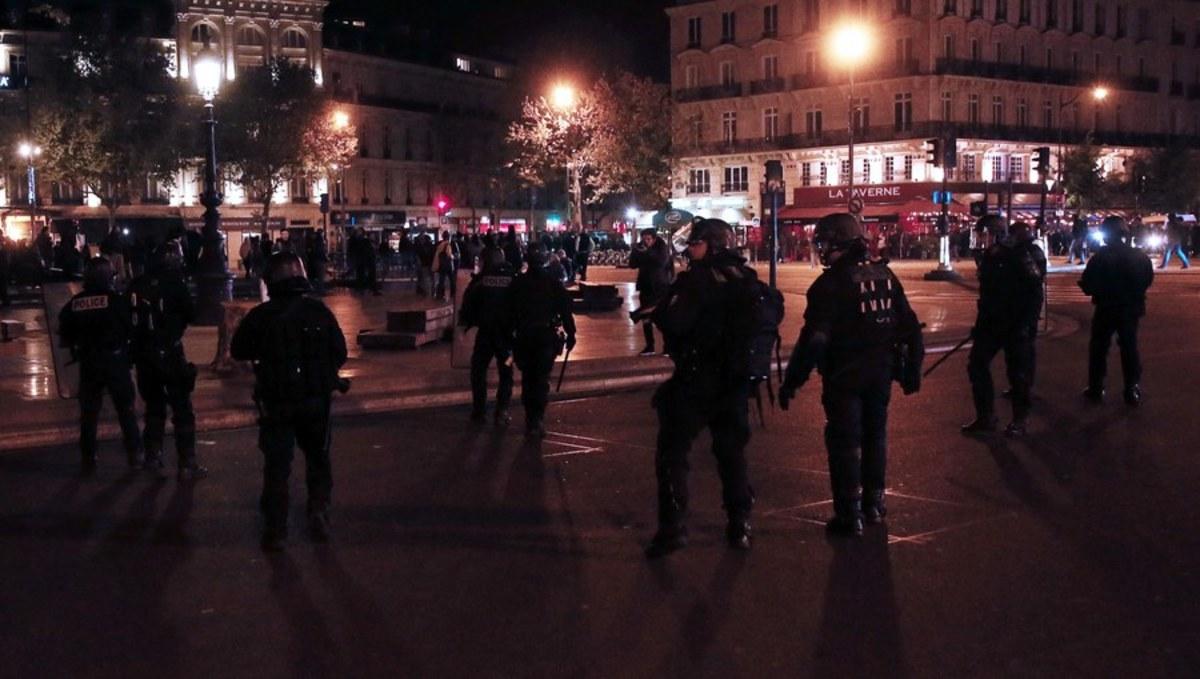 """Η Λε Πεν έβαλε """"φωτιά"""" στο Παρίσι – Νύχτα επεισοδίων [pics, vids]"""