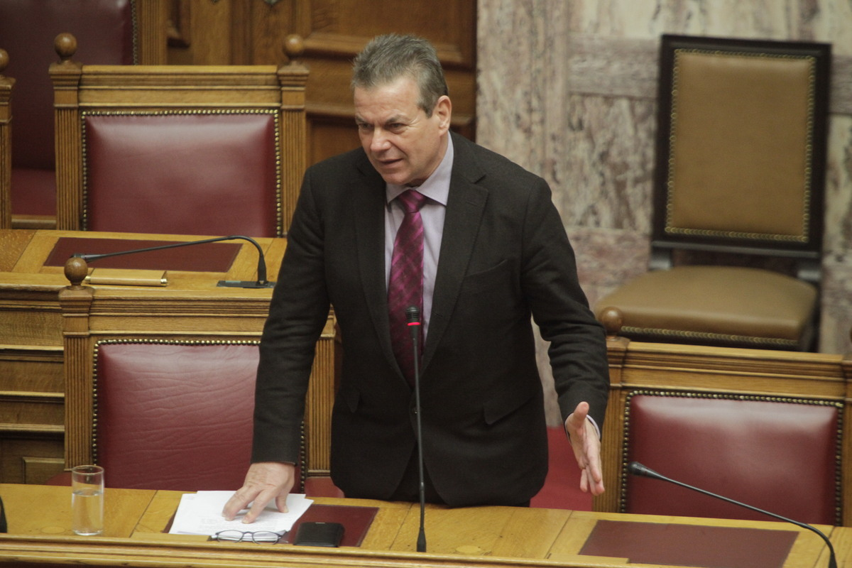 """Ο Πετρόπουλος έπαθε """"Παπανδρέου"""" – «Με σταματούν στο δρόμο επαγγελματίες και μου λένε σωθήκαμε!»"""
