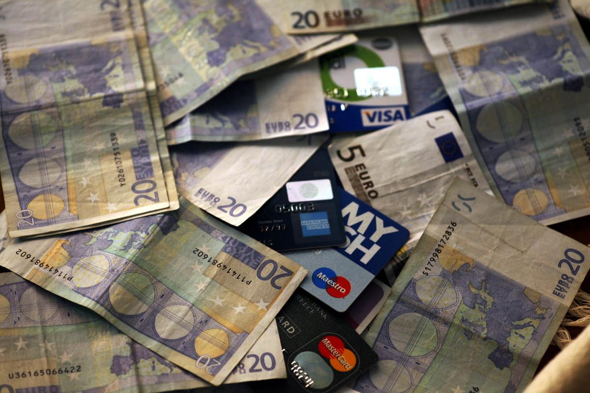Οδηγίες για κερδοφόρα χρήση του πλαστικού χρήματος – Κρίσιμες απαντήσεις από την ΕΕΤ