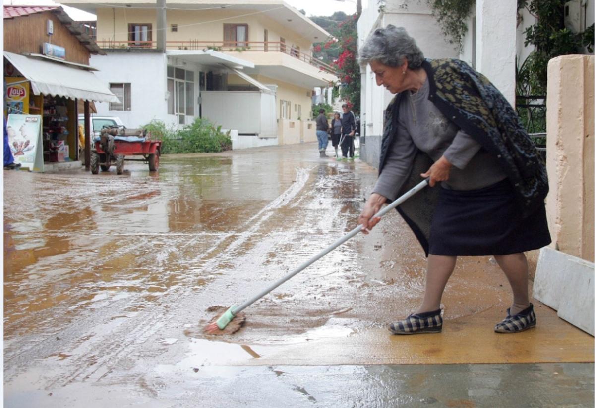 Πλημμύρισαν σπίτια και καταστήματα - ΦΩΤΟ EUROKINISSI