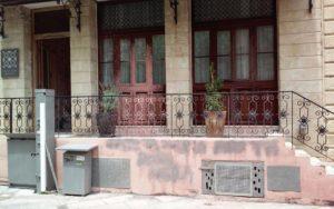 Κρήτη: Στην κάμερα η επίθεση σε ξενοδοχείο Ισραηλινών συμφερόντων [vid]